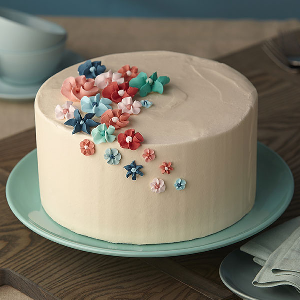 How To Make Icing Flowers For Cake Decorating